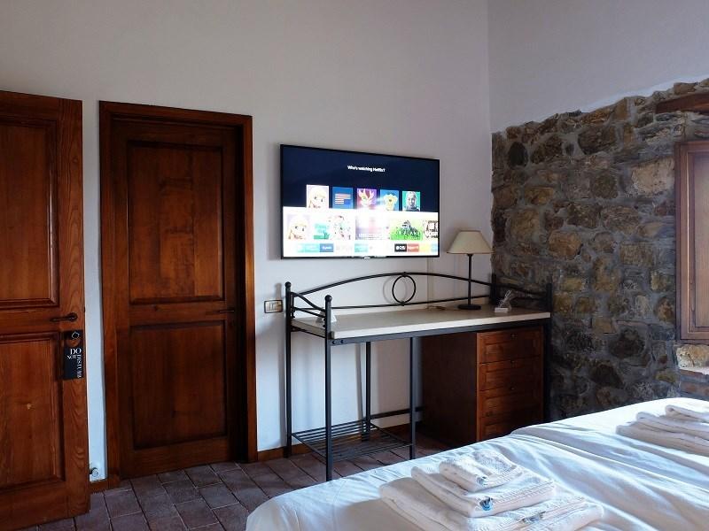 tuscan room TV